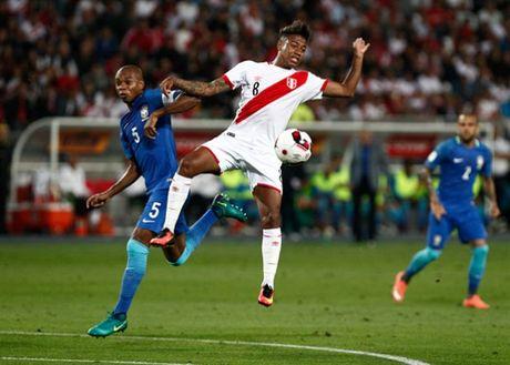 Thang nhe Peru, Brazil dau chi co Neymar - Anh 4