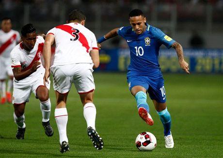 Thang nhe Peru, Brazil dau chi co Neymar - Anh 5