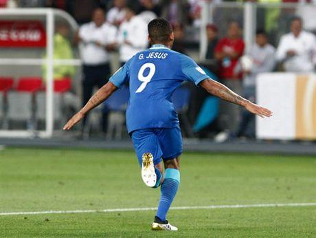 Thang nhe Peru, Brazil dau chi co Neymar - Anh 7