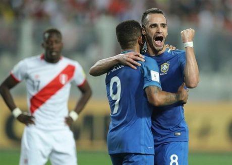 Thang nhe Peru, Brazil dau chi co Neymar - Anh 9
