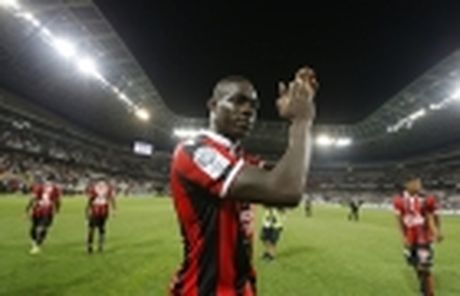 Balotelli choi ngong neu Nice vo dich Ligue 1 - Anh 2