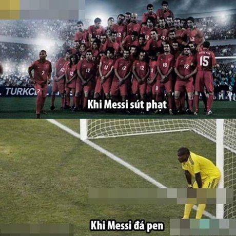 Anh che: Messi 'kho lam, de bo'; Sanchez 'quay' tung bung tien Su-Ni ve nuoc - Anh 5
