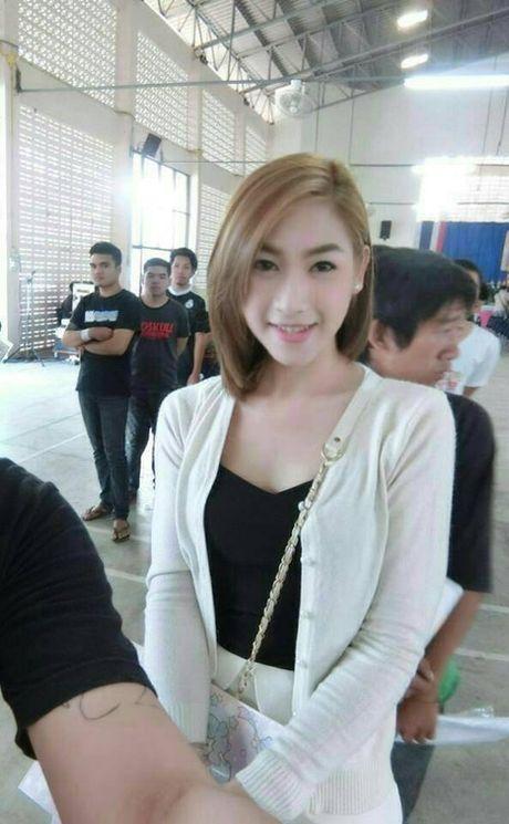 Xon xao bong hong chuyen gioi Thai di kham nghia vu quan su - Anh 4