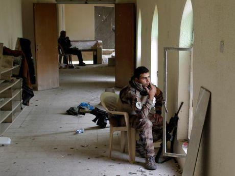 Chien dich giai phong Mosul khoi IS buoc sang tuan thu nam - Anh 4