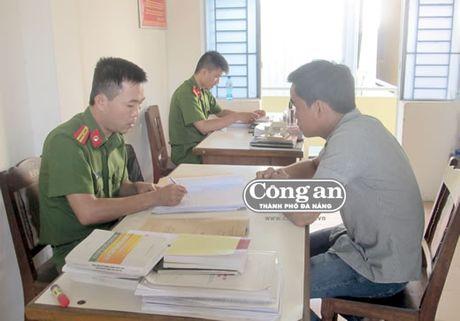 """Nguoi chuyen """"qua giang"""" - Anh 1"""