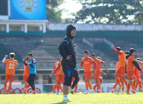 Truoc tran ra quan cua tuyen Viet Nam tai AFF Cup: 'Can than Myanmar danh lac huong' - Anh 1