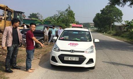 Ha Noi: Bat doi tuong cuop taxi tai Dong Anh - Anh 1