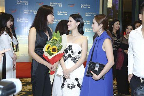 """Hong Anh: Canh nong trong phim """"Dao cua dan ngu cu"""" khien toi lo lang nhat - Anh 2"""