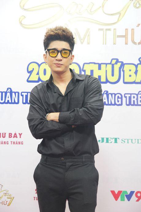 """Sai Gon dem thu 7: Chi Dan va Giang Hong Ngoc """"ru nhau"""" hat hit cua Lam Truong - Anh 1"""