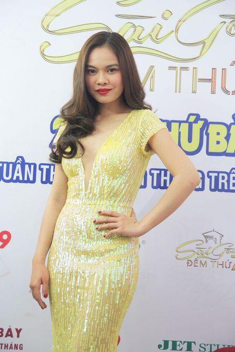 """Sai Gon dem thu 7: Chi Dan va Giang Hong Ngoc """"ru nhau"""" hat hit cua Lam Truong - Anh 2"""