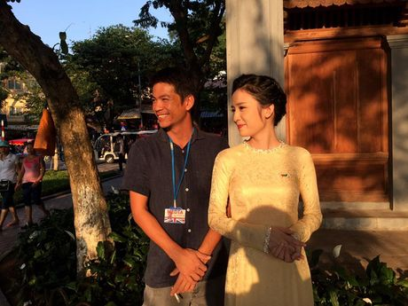 Hoang tu William dao Ho Guom, tham cau The Huc cung MC Thuy Duong VTV4 - Anh 8