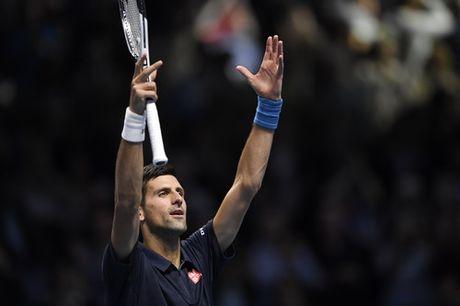 Djokovic vao ban ket som, Thiem thang tran dau tay - Anh 4