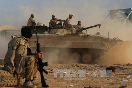 Cac luc luong Iraq ap sat san bay chien luoc o Mosul - Anh 1