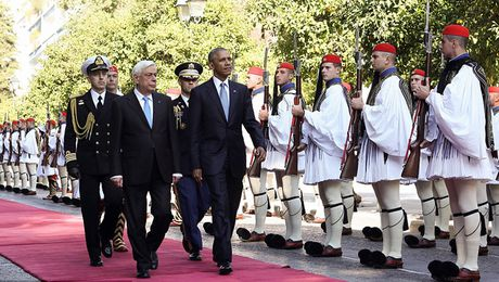 Hy Lap: Bom xang bung bung ngay Tong thong Obama den tham - Anh 1