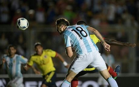 Messi thap lai hy vong du World Cup 2018 cho Argentina - Anh 2