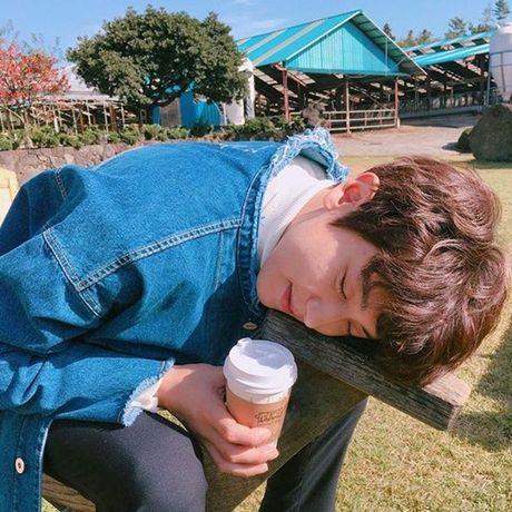 Sao Han 16/11: Baek Hyun gia gai xinh dep, Dara mix do ca tinh - Anh 2