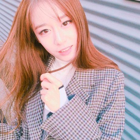 Sao Han 16/11: Baek Hyun gia gai xinh dep, Dara mix do ca tinh - Anh 6