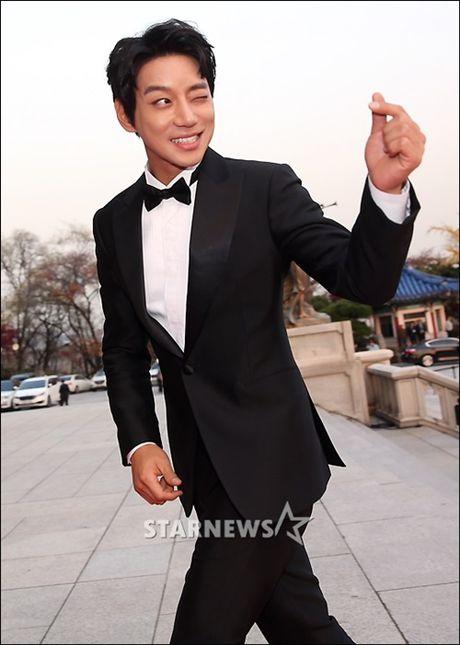 Chi Pu rang ro hon ca Park Shin Hye - Anh 16