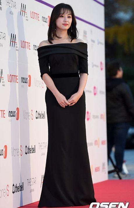 Chi Pu rang ro hon ca Park Shin Hye - Anh 23