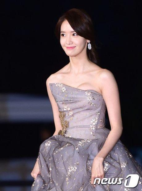 Chi Pu rang ro hon ca Park Shin Hye - Anh 32
