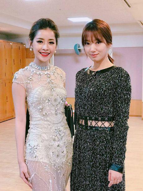 Chi Pu rang ro hon ca Park Shin Hye - Anh 4