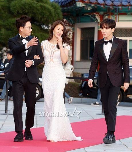 Chi Pu rang ro hon ca Park Shin Hye - Anh 7