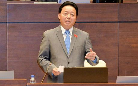Lan dau 'dang dan', Bo truong Tran Hong Ha lien tuc duoc 'nhac' - Anh 1