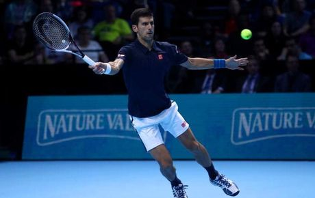 Djokovic lay lai phong do som gianh ve vao ban ket ATP World Tour Finals - Anh 1