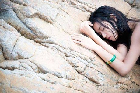 Fan 'nong tung giay' khi hinh anh Lee Min Ho lo truoc gio chieu 'Blue Sea' - Anh 13