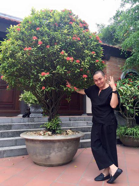 Cuoc song gian di cua Xuan Hinh dang sau anh hao quang san khau - Anh 13