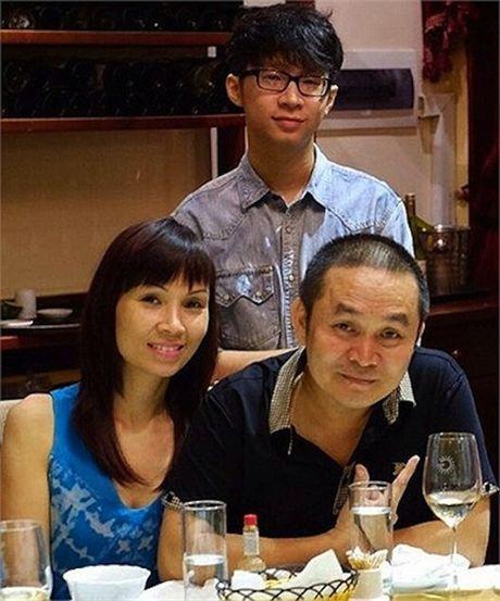 Cuoc song gian di cua Xuan Hinh dang sau anh hao quang san khau - Anh 5