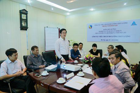 Boi duong nghiep vu TCDLCL cho can bo CHDCND Lao - Anh 1