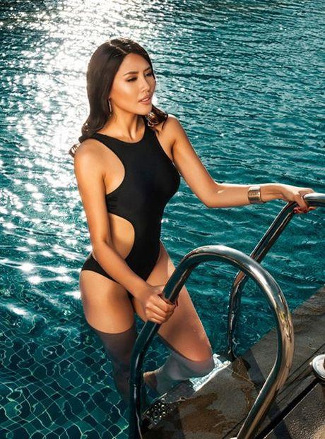 Nguyen Thi Loan 'ban nude' ngay khi quy dinh cam chup anh khoa than duoc bai bo - Anh 6