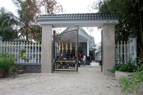 Chu doanh nghiep gao mien Tay bao mat vang va tien tri gia 800 trieu dong - Anh 1