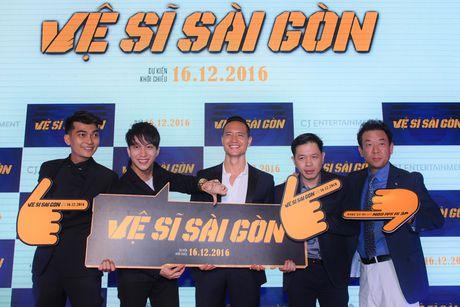 Thai Hoa va 3 chang 've si Sai Gon' bat ngo xuat hien tai Ha Noi - Anh 10