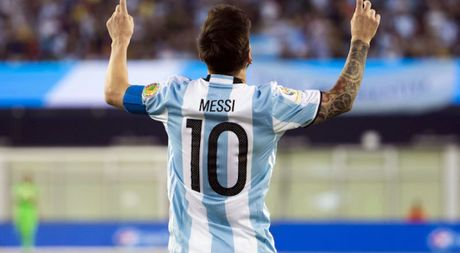 TRUC TIEP Argentina - Colombia: Messi khong con duong lui - Anh 1