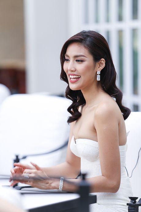 Lan Khue goi cam rang ro ben Ho Ngoc Ha - Anh 4
