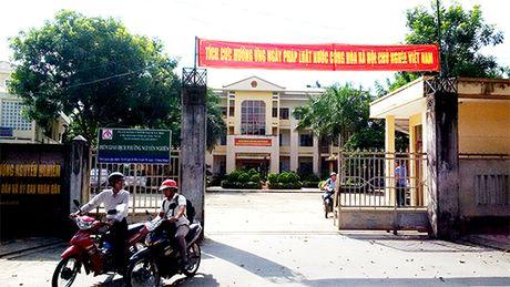 Ky la mo hinh 'mot cua khong ngoi mot cho' o TP.Quang Ngai - Anh 2