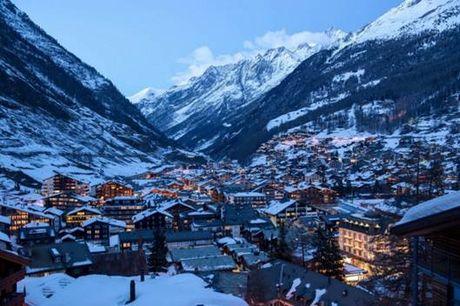 Den Zermatt ngam ngoi lang binh yen chim trong tuyet - Anh 1