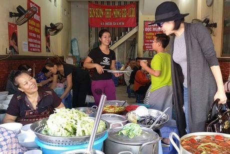 Vo chong Thu Phuong nem thu bun chui Ha Noi - Anh 4