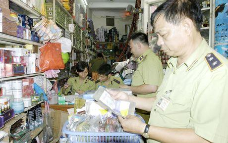 Chong hang gia, hang nhai: Doanh nghiep van 'tham bat, bo mam' - Anh 1
