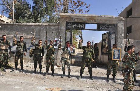 Nga tro chien quan doi Syria tan cong tay nam Aleppo - Anh 1