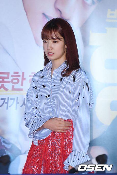 Park Shin Hye gay chu y voi thoi trang la mat - Anh 4