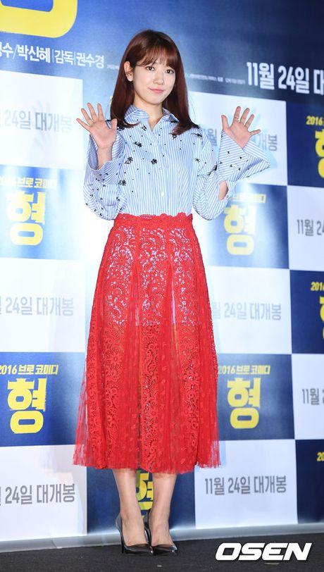 Park Shin Hye gay chu y voi thoi trang la mat - Anh 5