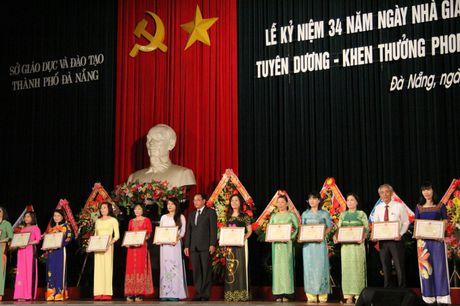 Da Nang: Long trong ky niem Ngay Nha giao Viet Nam 20/11 - Anh 2