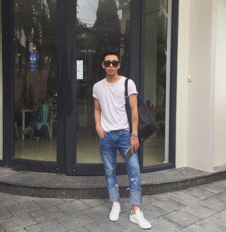 '50 sac thai' dien giay sneaker trang khong phai chang trai nao cung biet! - Anh 1