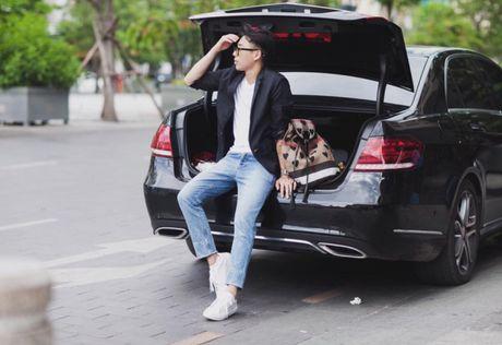'50 sac thai' dien giay sneaker trang khong phai chang trai nao cung biet! - Anh 5