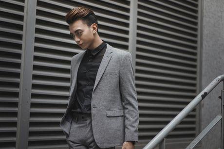 My nam so gang: Son Tung M-TP va Soobin Hoang Son ai la 'thoi nam cham' hut fan cua Vbiz? - Anh 3