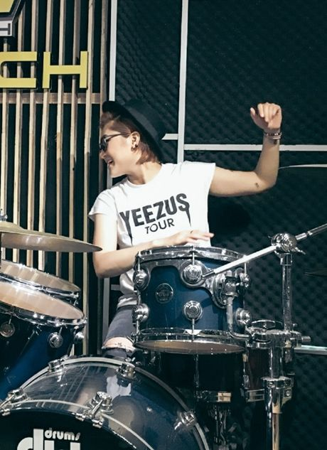 Vicky Nhung thu thach ban than khi lam moi nhac xua trong minishow dau tien - Anh 1