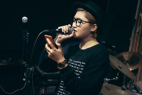 Vicky Nhung thu thach ban than khi lam moi nhac xua trong minishow dau tien - Anh 5